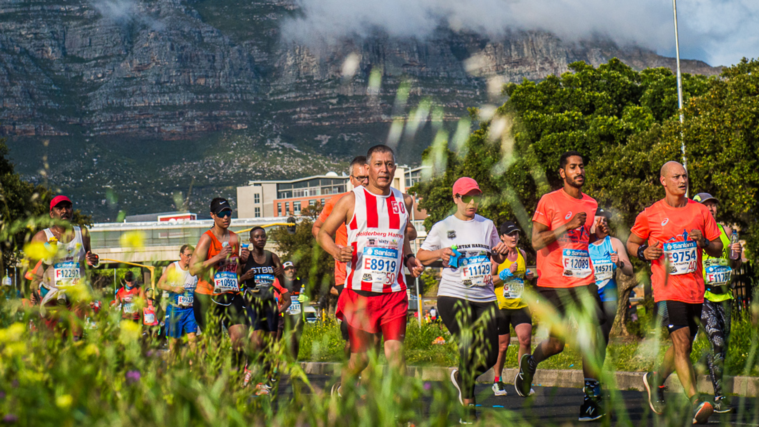 "Featured image for ""Sanlam Cape Town Marathon breaks all opening entry records!"""